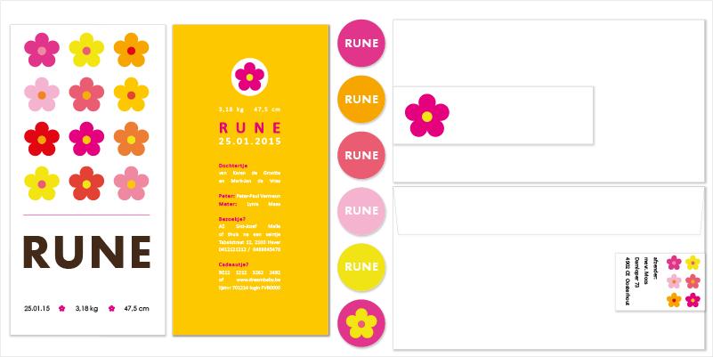 geboortekaartjes met bloem, geboortekaartjes, enveloppen, adreswikkels en doopsuikerstickers